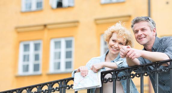 Lifestyle image with couple sightseeing